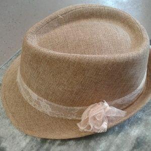 Women's trilby hat